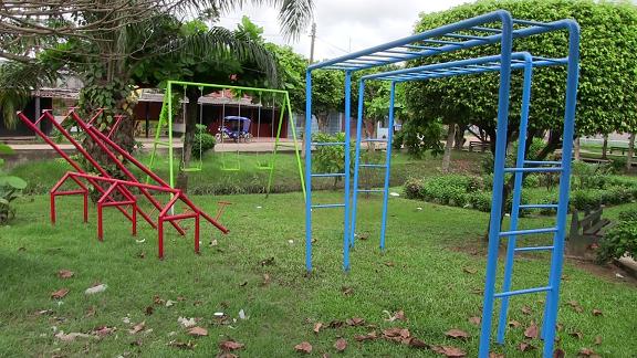 Muniyarinacocha Juegos Recreativos Son Instalados En Diferentes